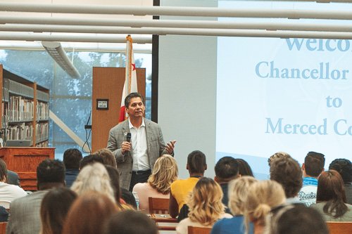 Chancellor Oakley Visits Merced College
